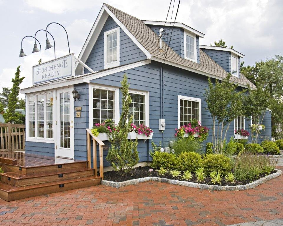 Located in a Historic Harvey Cedars Cottage